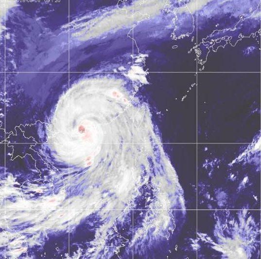 香港で帰宅難民に!最強シグナル10の2018年の台風22号マンクットがヤバすぎた