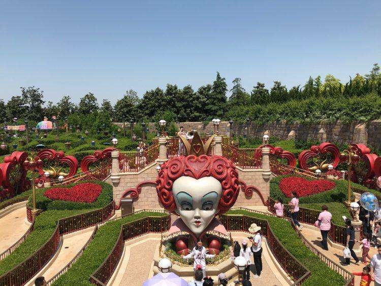 上海ディズニーランド アリス・イン・ワンダーランドの迷路