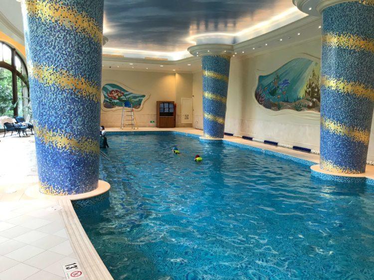 上海ディズニーランドホテルのプール「キング・トリトン・プール」