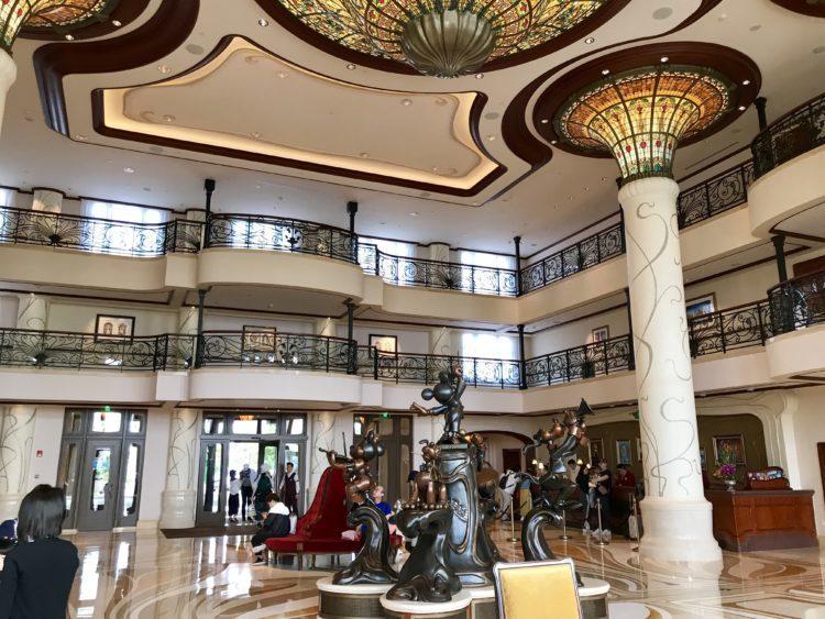 上海ディズニーランドホテル ロビー
