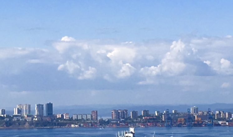 ルースキー大橋からのウラジオストクの眺め