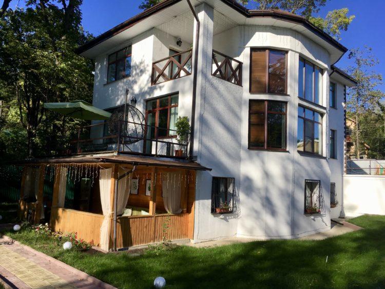 ウラジオストクの一軒家Sofi Platinum-1 Pool Villa & SPAをAirbnb(エアビー)で予約