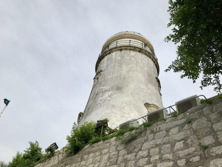 ギアの灯台の裏側