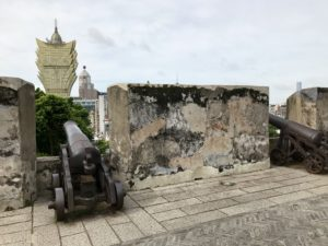 モンテの砦からグランド・リスボアも望む