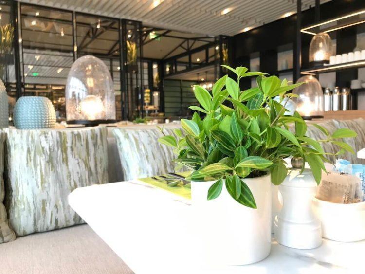 JWマリオット・マーキス・ホテル上海浦のデラックスリバービューの朝食レストラン