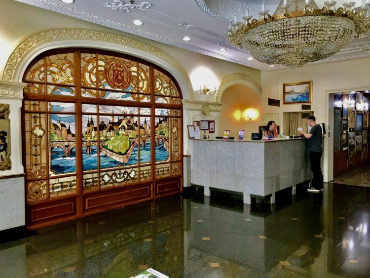 ウラジオストク ベルサイユホテルのフロント