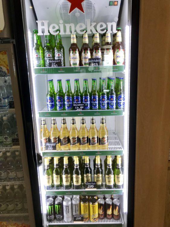 ウラジオストク空港のラウンジ内のビール