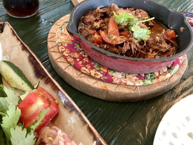 ウラジオストク おすすめ レストラン 「スプラ」 絶対食べたいオススメ料理シャシリク