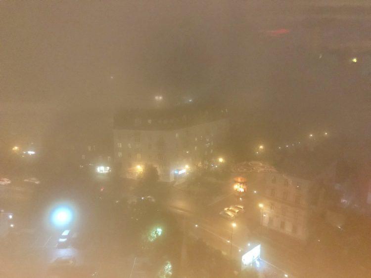 ウラジオストク ロッテホテルのバーから見るウラジオストクの夜景