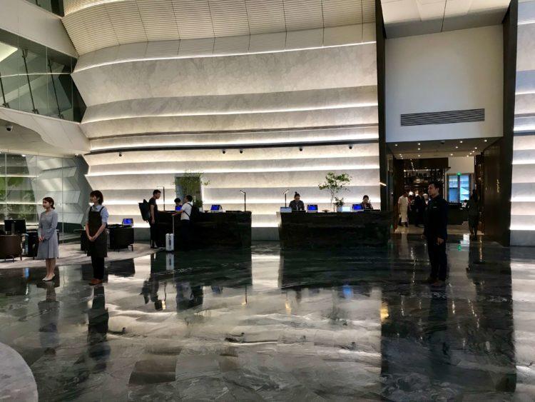 JWマリオット・マーキス・ホテル上海浦のフロント