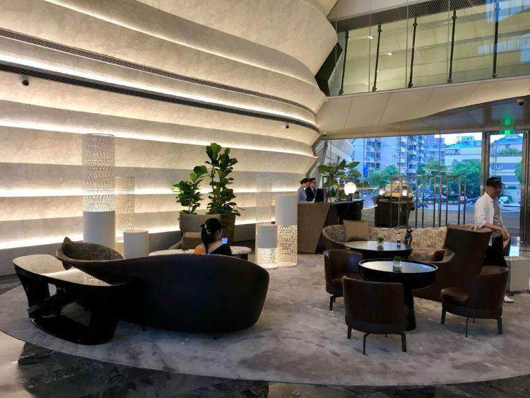 JWマリオット・マーキス・ホテル上海浦のロビー