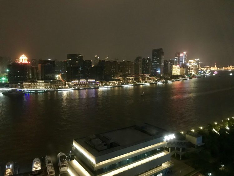 JWマリオット・マーキス・ホテル上海浦のデラックスリバービューの客室からの眺望
