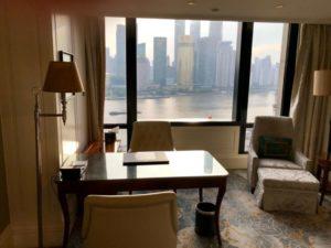 ウォルドルフ アストリア 上海 オン ザ バンドの客室からの眺望