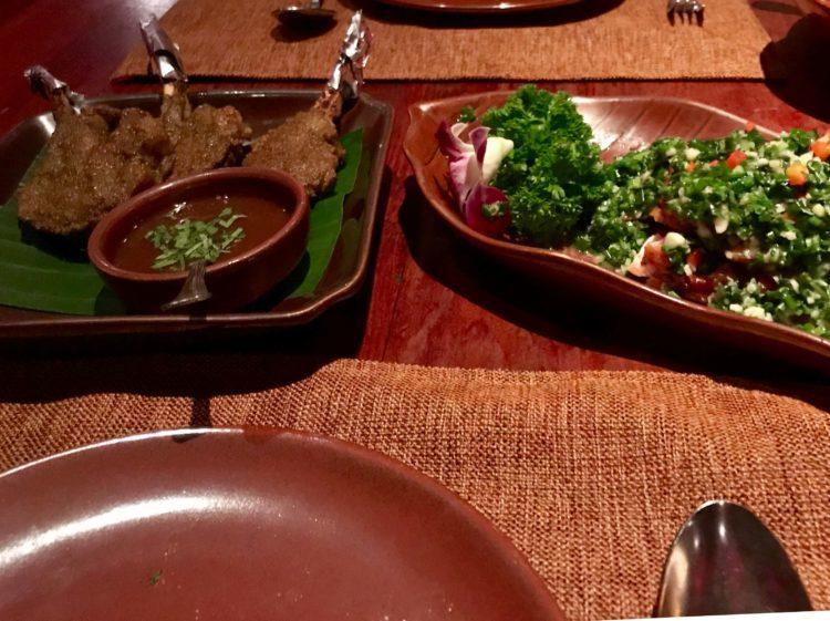 上海 外灘で絶対外せない雲南料理レストラン Lost Heavenのラムラックと油淋鶏