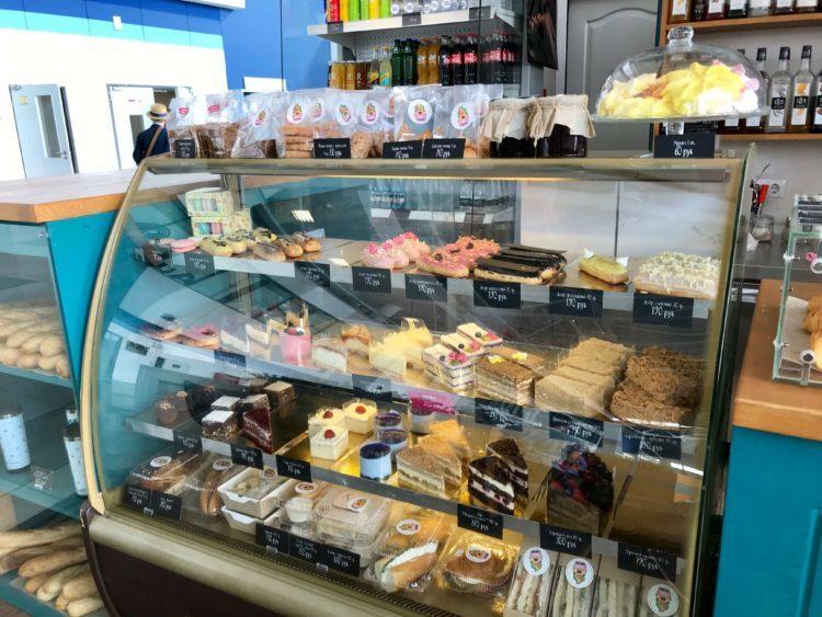 ウラジオストク空港内のケーキ屋
