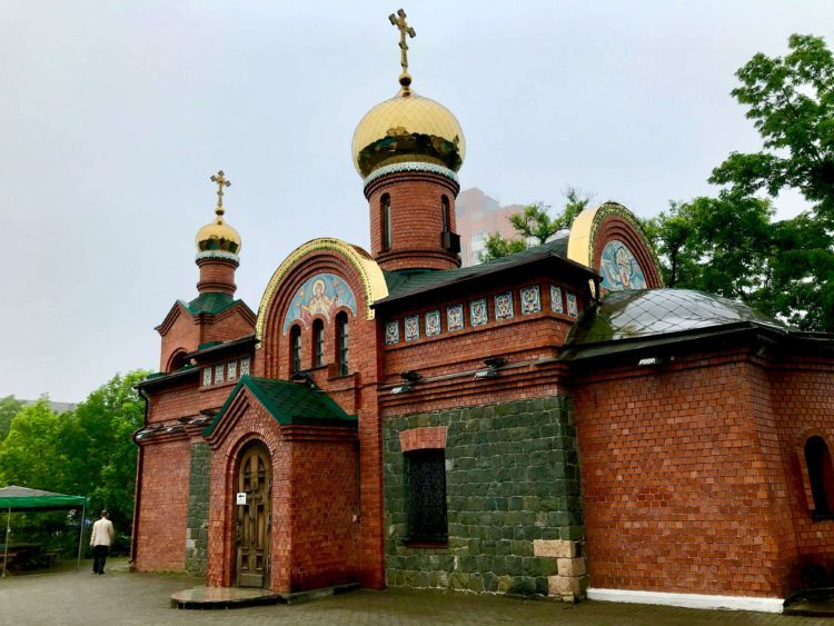 ウラジオストクのロシア正教会 ポクロフスキー教会のミサ