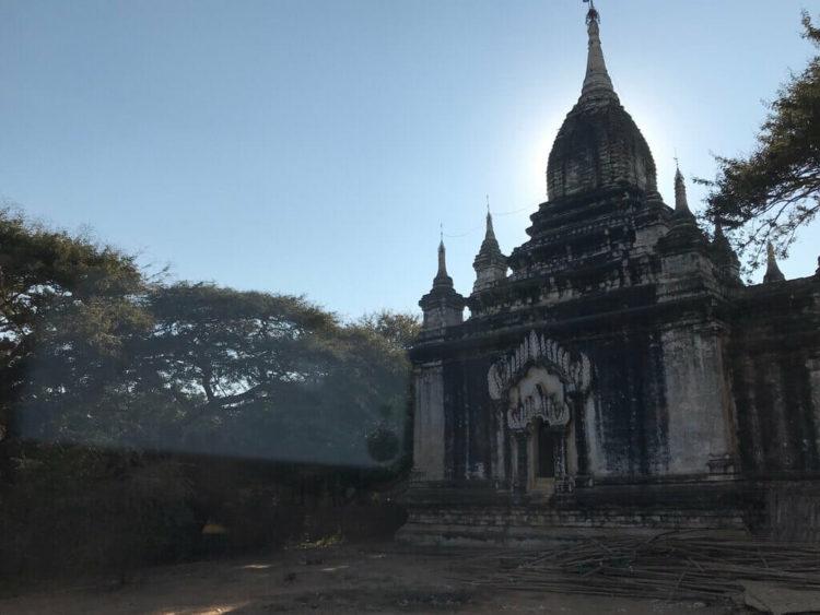 まるでドラクエの世界のようなバガンの仏塔(バゴダ)は世界三大仏教遺跡の1つ