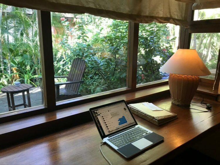 世界三代仏教遺産バガンのオールドバガン内にあるザ ホテル@タラバー ゲートの部屋の窓から見える風景
