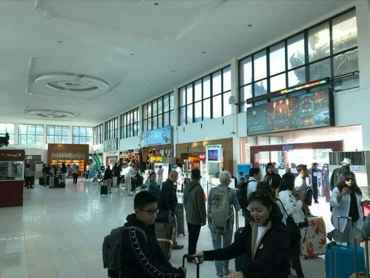 ヤンゴンから世界三代仏教遺産バガンへ向かうはミャンマー国営航空で到着したバガン空港到着・出発ロビー