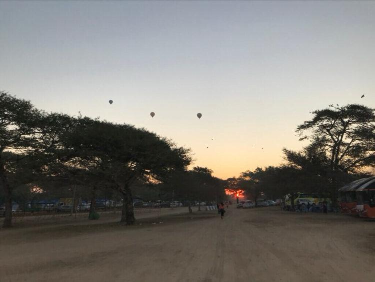 世界三代仏教遺産バガンで行われたマラソン大会、Myanmer Run2019@Bagan参加中に見た朝日と気球