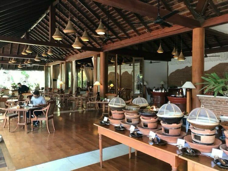 世界三代仏教遺産バガンのオールドバガン内にあるザ ホテル@タラバー ゲートのレストラン