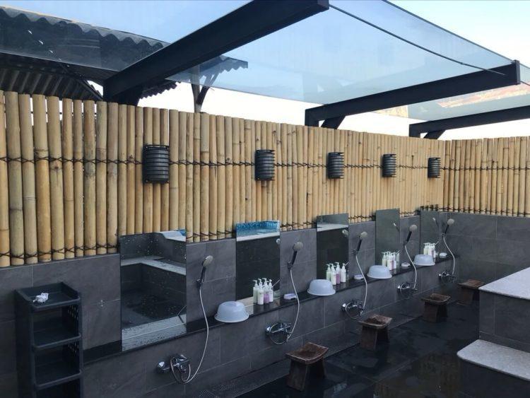 ミャンマー東屋ホテル ヤンゴンの屋上露天風呂温泉の洗い場