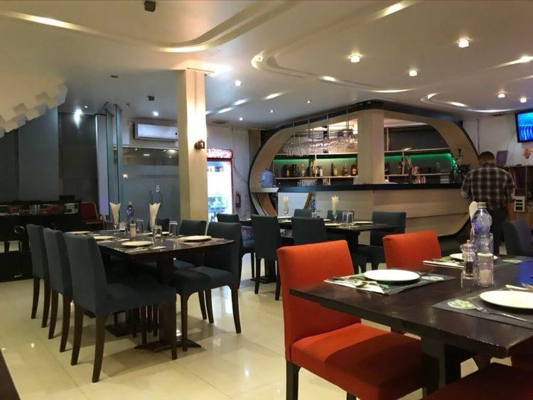 ヤンゴンでオススメインドカレー3選 第3位 The Corriander Leaf: Indian Family Diningの店内
