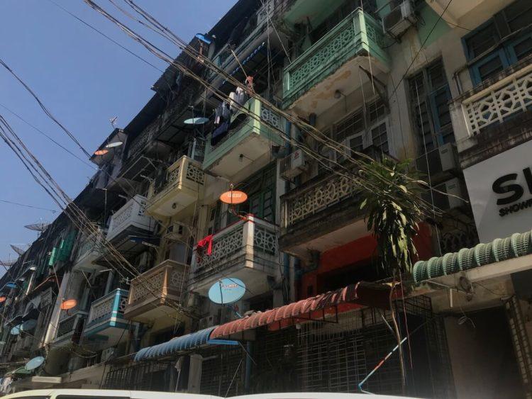 ヤンゴン中心部、繁華街でもあるダウンタウン