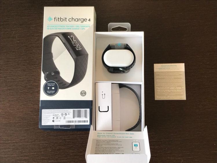フィットビット チャージ4(fitbit charge 4)パッケージ開封