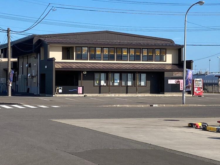 日本一周Nバン車中泊 車中泊できる道の駅 みなとま〜れ寿都前の漁業協同組合
