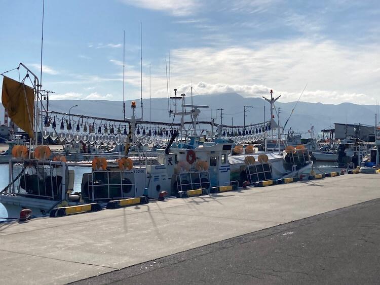 日本一周Nバン車中泊 車中泊できる道の駅 みなとま〜れ寿都前の漁港