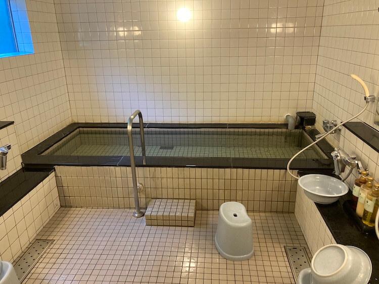 利尻島観光協会もおすすめの温泉と食事が評判の旅館雪国の温泉