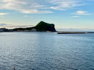 利尻島観光協会もおすすめの温泉と食事が評判の旅館雪国の海が見える部屋から見たペシ岬