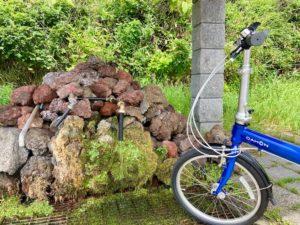 折りたたみ自転車で利尻島一周の途中に湧き水発見!麗峰湧水
