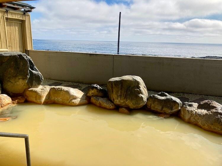 湯巡り日本一周Nバン車中泊11湯目 利尻ふれあい温泉 ホテル利尻の露天風呂