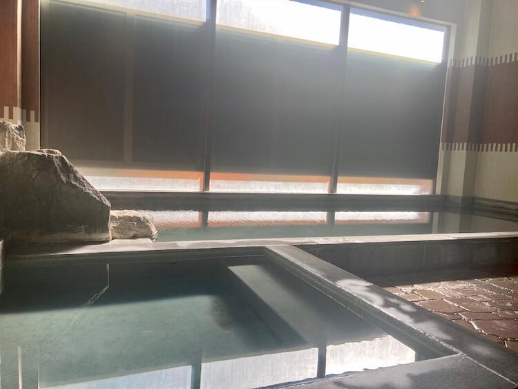 秘境知床の宿 岩尾別温泉 地の涯(ちのはて)の内湯