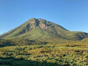 知床峠から見た羅臼岳
