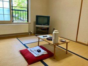 湯巡り日本一周Nバン車中泊25湯目 二股ラヂウム温泉の客室
