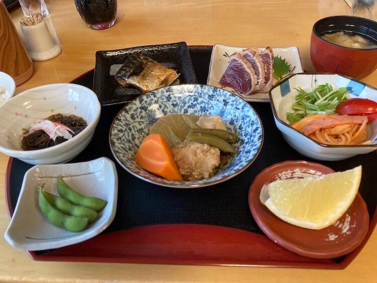 湯巡り日本一周Nバン車中泊25湯目 二股ラヂウム温泉の質素な夕食