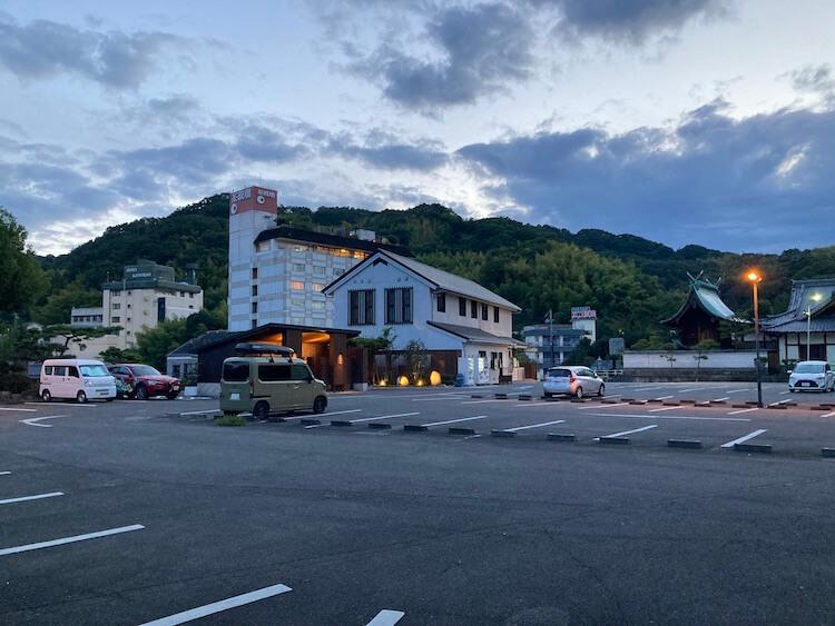 湯巡り日本一周Nバン 車中泊に最適!道後温泉駐車場