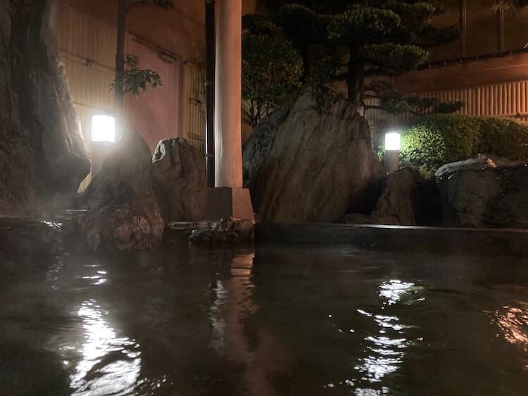 湯巡り日本一周Nバン車中泊35湯目 天然温泉 武丈の湯の露天風呂