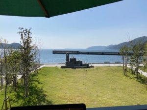 湯巡りNバン日本一周車中泊37日目 国道九四フェリー三崎港のおすすめレストラン しらす食堂はなはなから眺める海