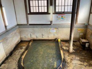 湯巡り日本一周Nバン車中泊39湯目 別府竹瓦温泉の男性用普通浴浴槽