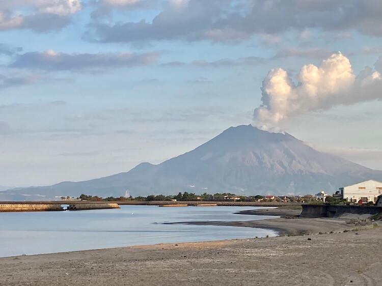 日本一周Nバン車中泊43日目 道の駅垂水はまびらから見た桜島