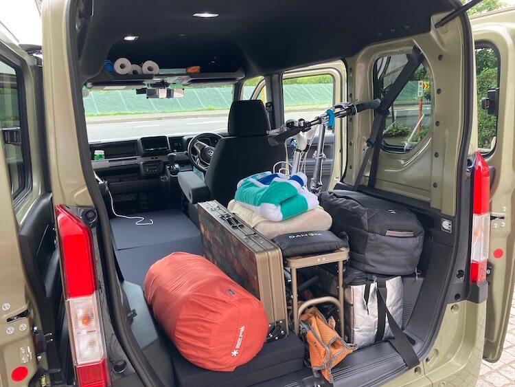 最強の車中泊軽自動車 Nバンにルーフボックスを載せてみた 選び方とメリット デメリットまとめ Nバンの車内画像