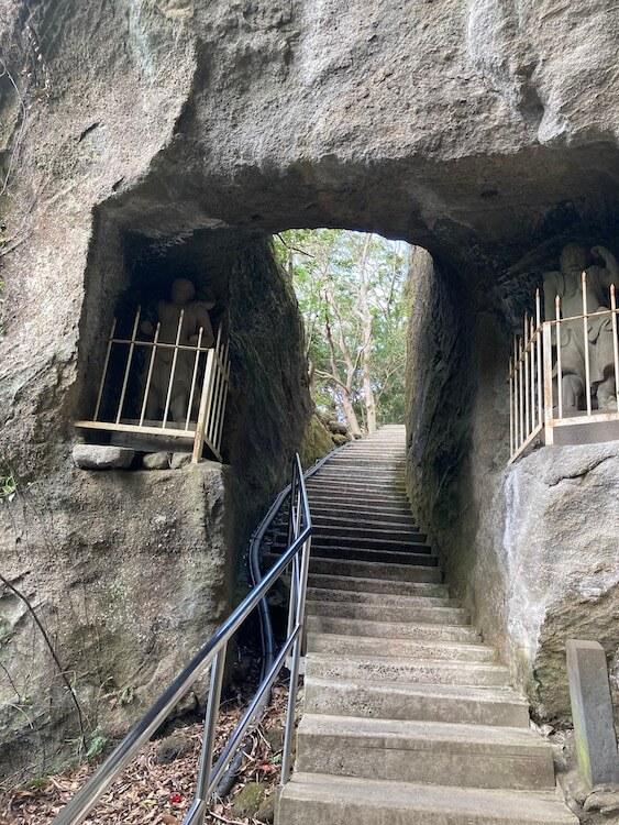 湯巡りNバン日本一周車中泊59日目 鋸山の写真をひたすらアップ 鋸山日本寺の通天閣