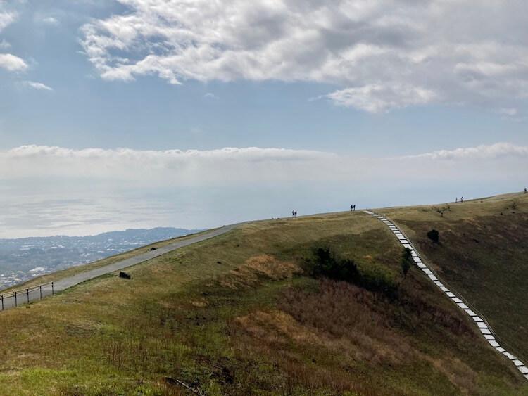 湯巡りNバン日本一周車中泊62日目 大室山山頂から見る天空の修行の道