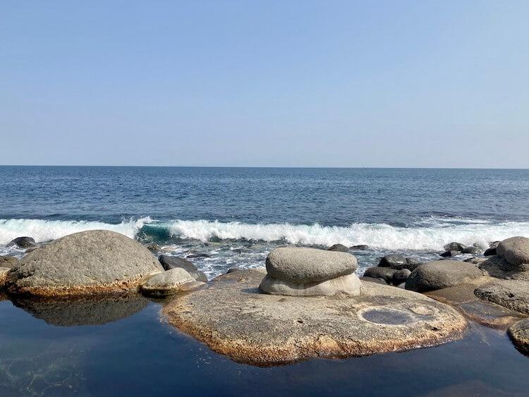 湯巡り日本一周Nバン車中泊 61湯目 北川温泉 黒根岩風呂の露天風呂