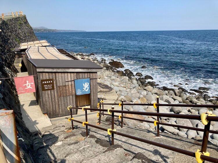 湯巡り日本一周Nバン車中泊 61湯目 北川温泉 黒根岩風呂の脱衣所