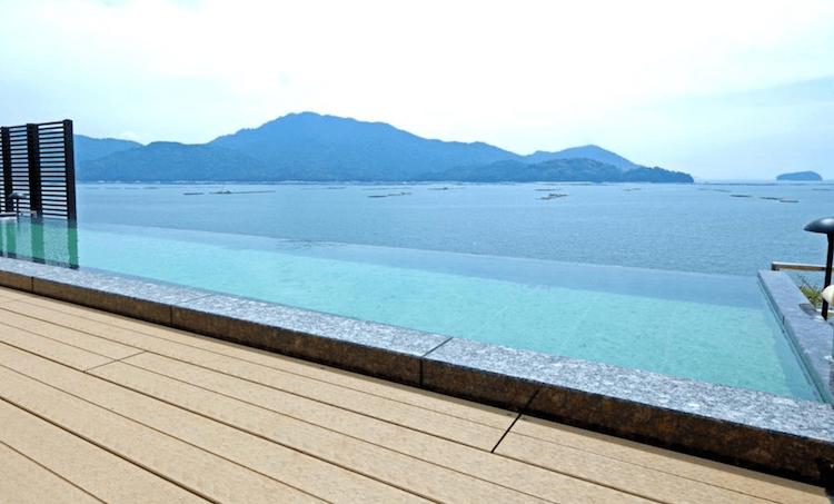 湯巡り日本一周Nバン車中泊 69湯目 宮浜グランドホテルの屋上露天風呂「マルミエロテン」